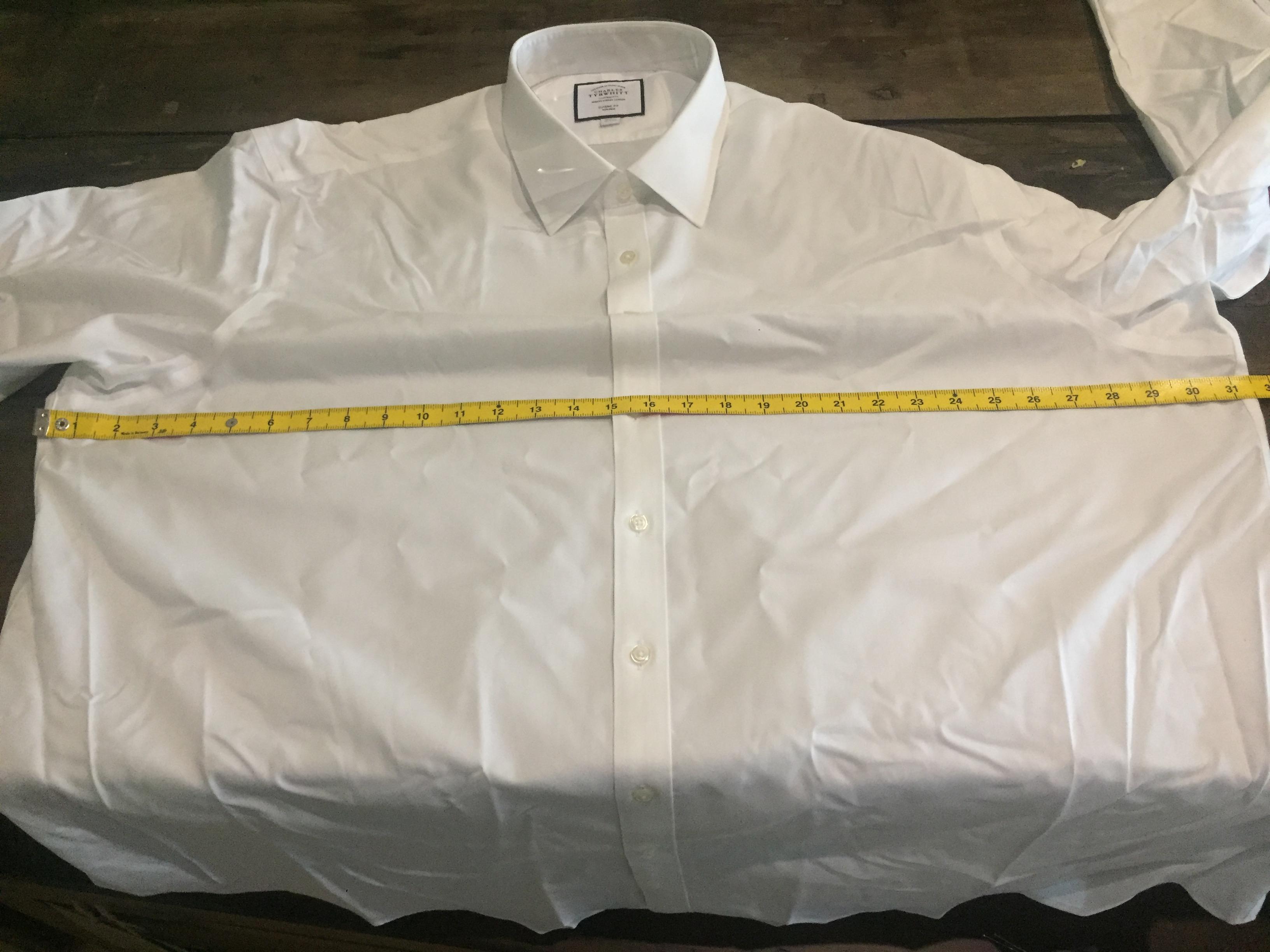 Charles Tyrwhitt Classic Fit 20 inch collar